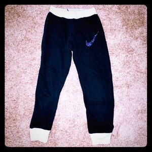 Girls Nike sweat pants size LG.